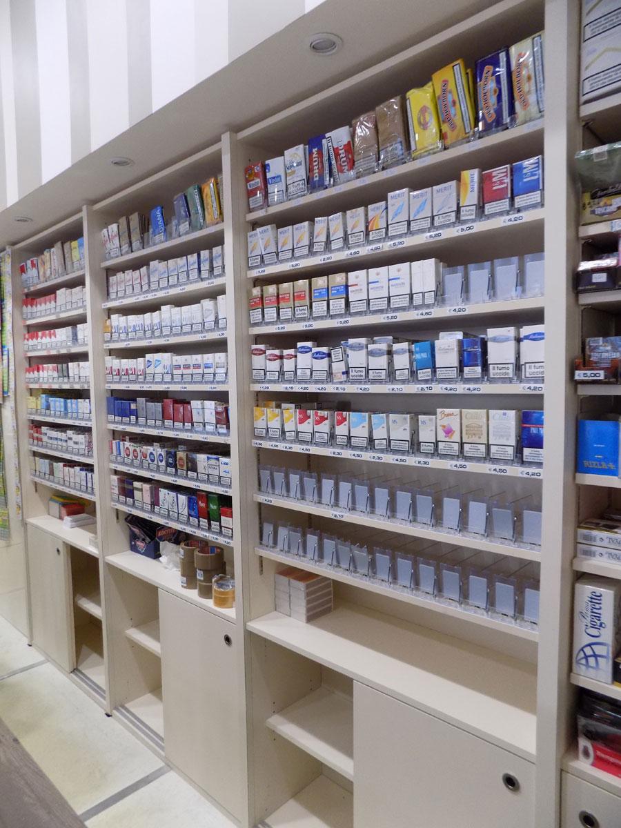 Tabaccheria simeoni teramo nuove forme for Arredamento tabaccheria usato