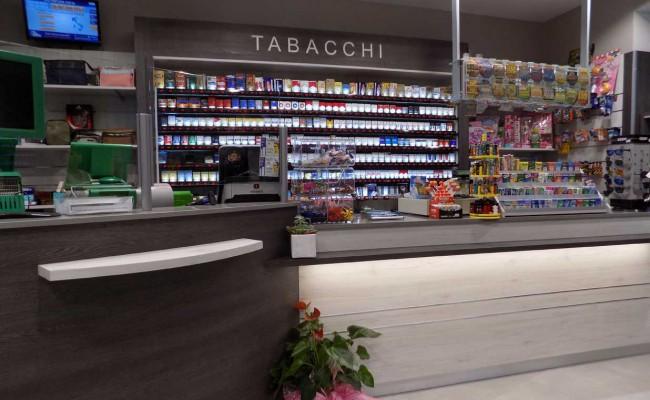 Tabaccheria gonella moretta cn nuove forme for Arredamento bar tabacchi