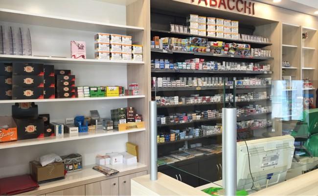 Foto10-Arredamento-su-misura-tabaccherie,Nuove-Forme