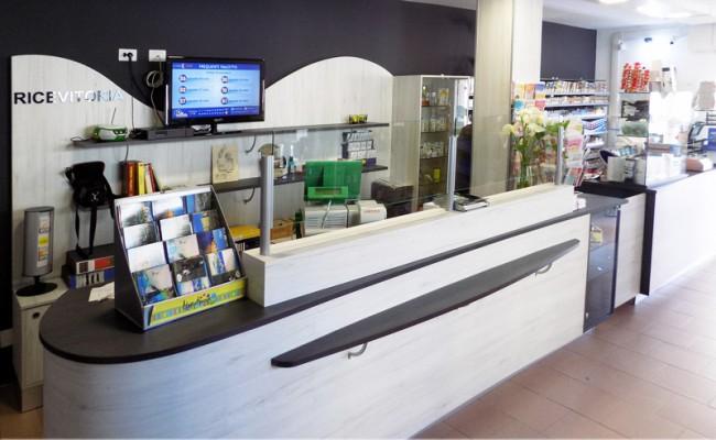 Tabaccheria-Bella,-Sassari,-Nuove-Forme-arredamento-su-misura-04