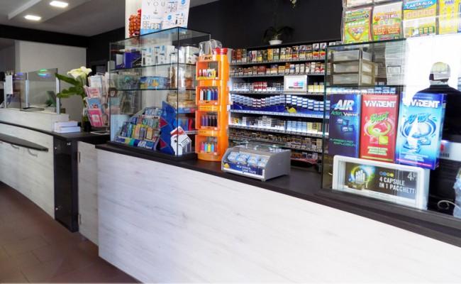 Tabaccheria-Bella,-Sassari,-Nuove-Forme-arredamento-su-misura-09