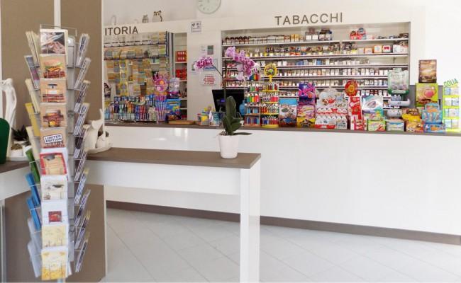 Tabaccheria-78,-Turi-BA,-Nuove-Forme-arredamenti-su-misura-16