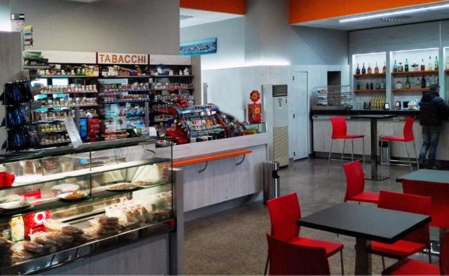 Tab-Bar-stazione-ferroviaria-Brindisi,-Nuove-Forme-arredamenti-03