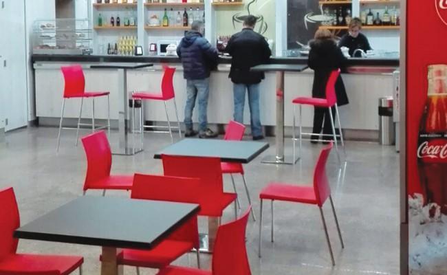 Tab-Bar-stazione-ferroviaria-Brindisi,-Nuove-Forme-arredamenti-04
