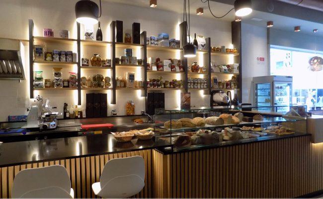Bar-Gastronomia-W12,-Riccione-RN,-Nuove-Forme-arredamenti-15