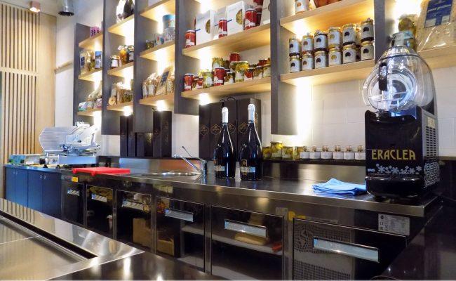 Bar-Gastronomia-W12,-Riccione-RN,-Nuove-Forme-arredamenti-18