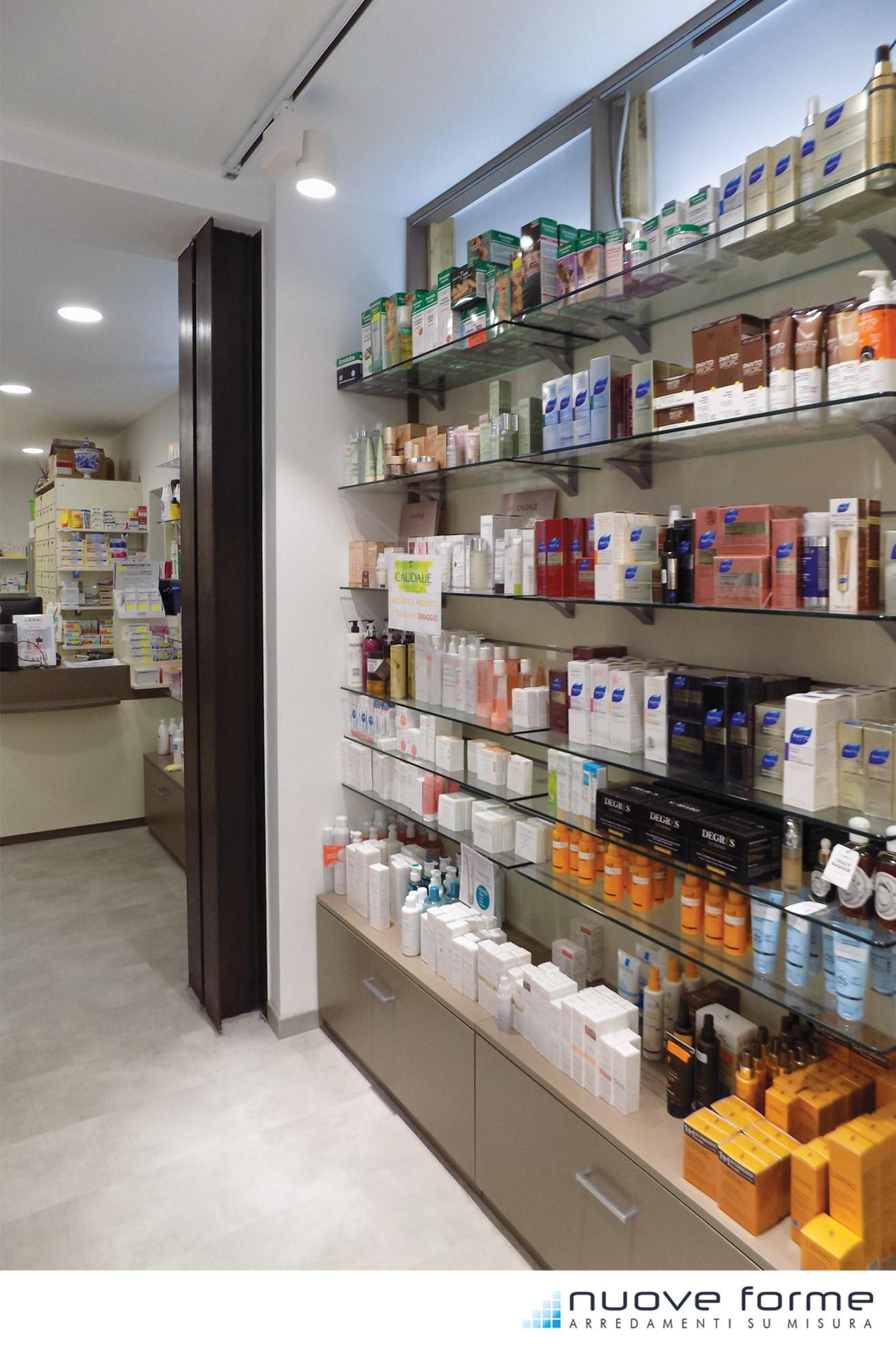 Galleria nuove forme for Arredamento parafarmacia usato