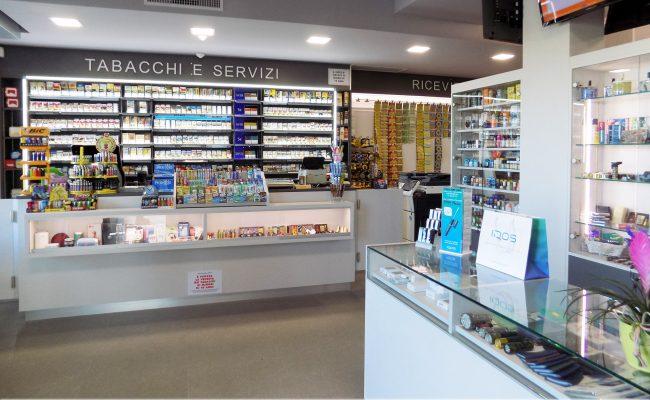Tabaccheria-Luca-Valerio,-Nuove-Forme-arredamenti-su-misura-01