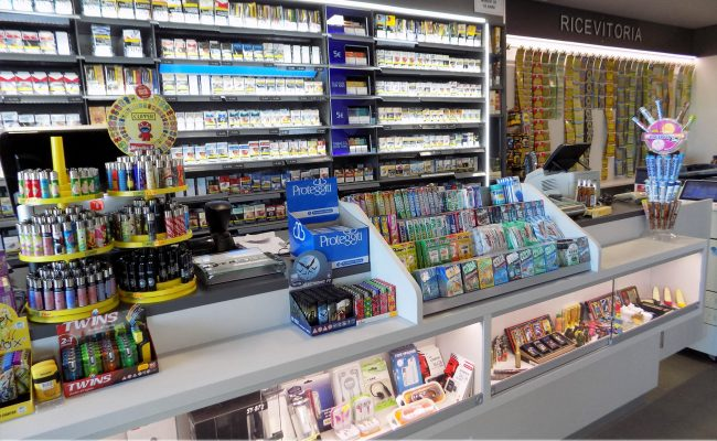 Tabaccheria-Luca-Valerio,-Nuove-Forme-arredamenti-su-misura-04