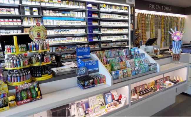 Tabaccheria-Luca-Valerio-Nuove-Forme-arredamenti-su-misura04