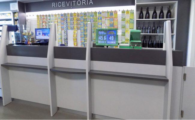 Tabaccheria-Luca-Valerio-Nuove-Forme-arredamenti-su-misura05