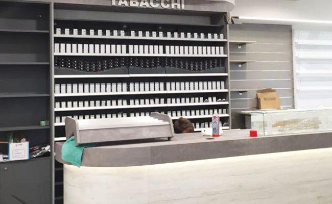 Tabaccheria-Vanzini,-Misano-Adriatico-RN,-Nuove-Forme-snc,-arredamenti-su-misura,-imm02