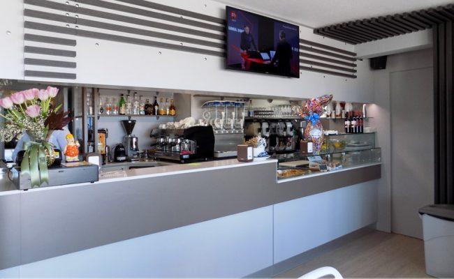 Bar-Embassy,-Riccione,-Nuove-Forme-arredamenti,-imm01