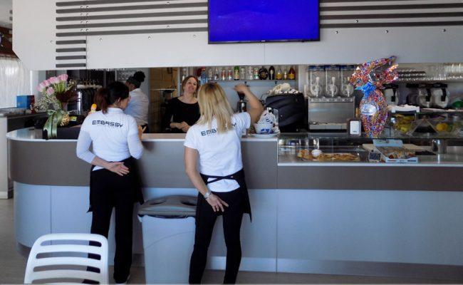Bar-Embassy,-Riccione,-Nuove-Forme-arredamenti,-imm02