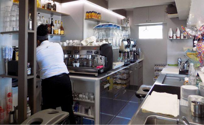 Bar-Embassy,-Riccione,-Nuove-Forme-arredamenti,-imm03