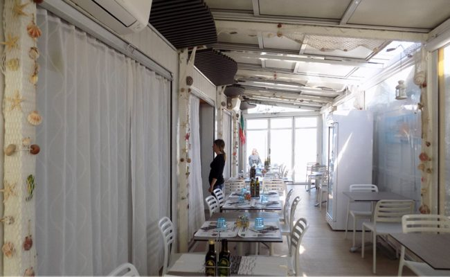 Bar-Embassy,-Riccione,-Nuove-Forme-arredamenti,-imm06